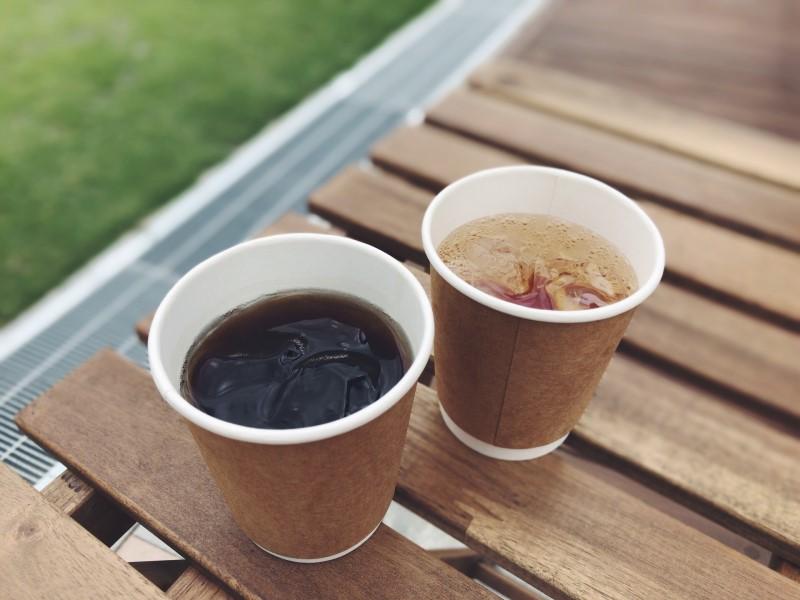 イバラボ広場にてコーヒーと薬膳コーラ